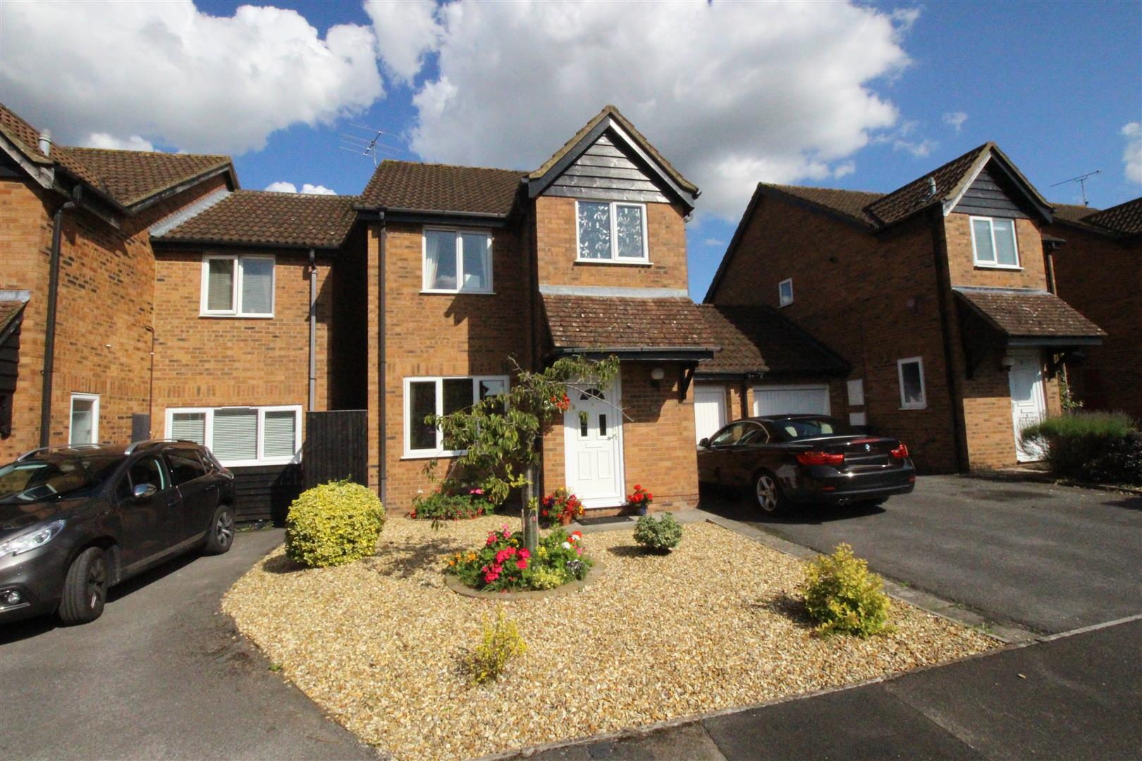 3 Bedrooms Detached House for sale in Ransome Close, Shaw, Swindon
